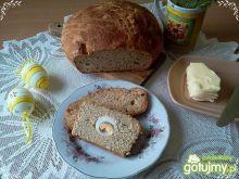 Chleb z orzechami i chrzanem na zakwasie