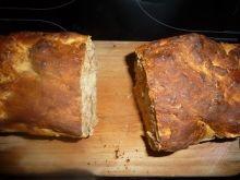 Chleb z pieczarkami, pomidorami i szynką