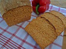 Chleb z pieczoną papryką i maślanką