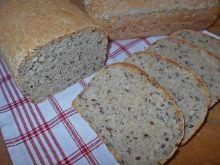 Chleb z płatkami i siemieniem lnianym