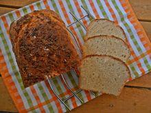 Chleb z płatkami jaglanymi i suszoną cebulą