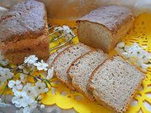 Chleb z płatkami, ostropestem i smażoną cebulą