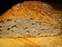 Chleb z ziarami z garnka