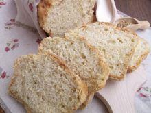 Chleb z ziemniakami i suszonym oregano