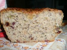 Chleb żurawinowy ciemny