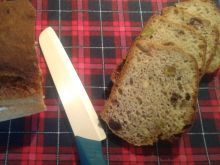 Chlebek pistacjowo - piniowy na mące chlebowej