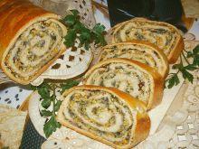Chlebek z nadzieniem jajeczno-cebulowo-ziołowym