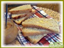 Chlebek z żołtym serem