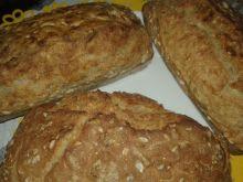 Chlebek ziarnisty z płatkami owsianymi