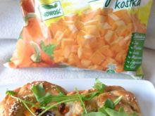 Chlebki z suszonymi pomidorami, dynią i serem feta