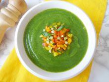 Chłodnik z cukinii z kolorowymi warzywami
