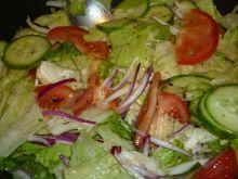 Chrupiąca sałata w sosie winegret