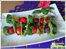 Chrupiące szaszłyki z warzywnym dipem