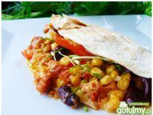 Chrupiące tortille z mięsem i warzywami