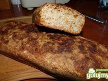 Chrupiący chlebek cebulowy