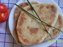 Chrupiący chlebek Naan