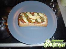 Ciabatta z mięsem mielonym i warzywami