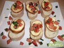 Ciabatta z oscypkiem i pomidorkami