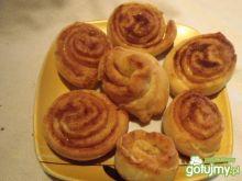 Ciasteczka drożdżowe z cynamonem