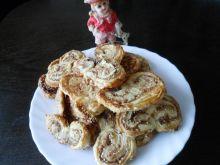 Ciasteczka francuskie z cynamonem i sezamem