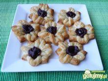 Ciasteczka francuskie z różaną marmoladą