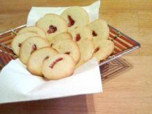Ciasteczka migdałowe z dżemem