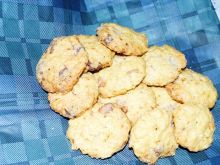 Ciasteczka z białą czekoladą i płatkami owsianymi