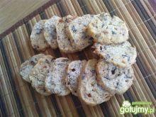 Ciasteczka z marcepanem i orzechami