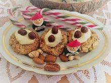 Ciasteczka z siedzącymi orzeszkami