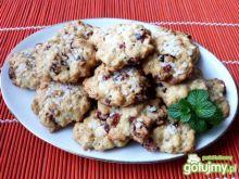 Ciasteczka z żurawiną i orzechami