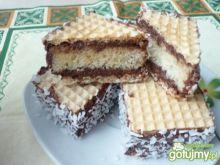 Ciastka biszkoptowe z masą czekoladową
