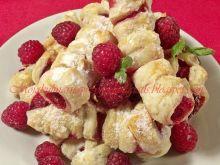 Ciastka francuskie z malinami