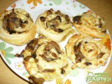 Ciastka francuskie z pieczarkami i serem