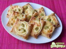 Ciastka francuskie z serem i rabarbarem