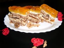 Ciasto bakaliowe z brzoskwiniami