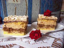 Ciasto bezowe z wiśniami i kawą