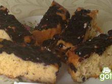 Ciasto biszkoptowe z jagodami