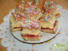 Ciasto biszkoptowe z lukrem i posypką