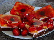 Ciasto biszkoptowe z pianką, owocami i galaretką