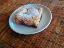 Ciasto biszkoptowe ze śliwkami
