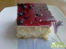 Ciasto biszkoptowe zgalaretką i jagodami
