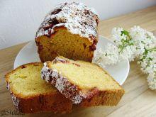 Ciasto chałwowe z truskawkami
