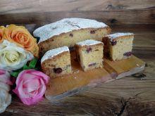 Ciasto cukiniowe z wiśniami