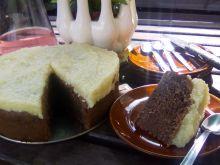 Ciasto czekoladowe pod kokosową pierzynką