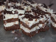 Ciasto czekoladowe z bitą śmietaną