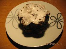 Ciasto czekoladowe z jabłkami/gruszk polane lukrem
