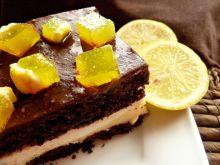 Ciasto czekoladowe z masą cytrynową i śmietaną