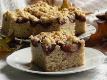 Ciasto drożdżowe pszenno-orkiszowe ze śliwkami