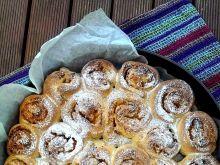 Ciasto drożdżowe z dynią i morelą