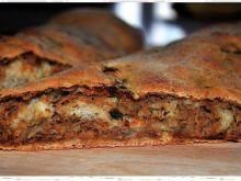 Ciasto drożdżowe z farszem mięsnym